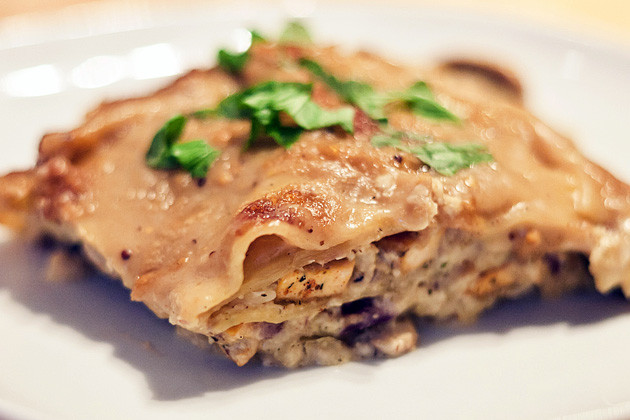 Pilz-Pfeffertofu-Lasagne
