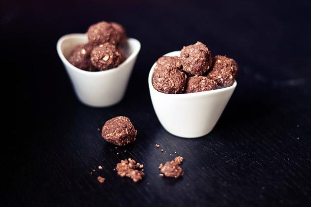Kokos-Cashew-Schoko Snack