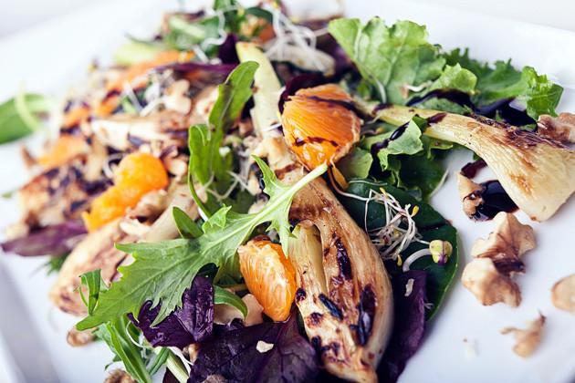 Fenchelsalat mit Mandarinen, Nuessen & Sprossen