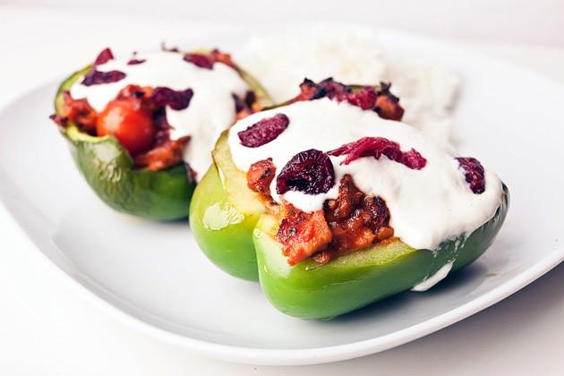 Pikant gefuellte Paprika mit Cranberrys