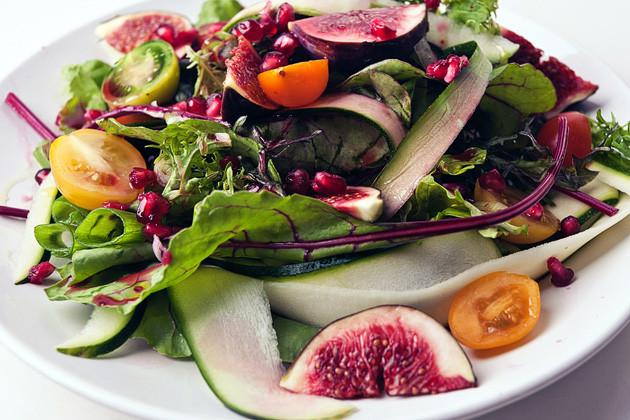 Wildsalat mit Feigen & Granatapfel