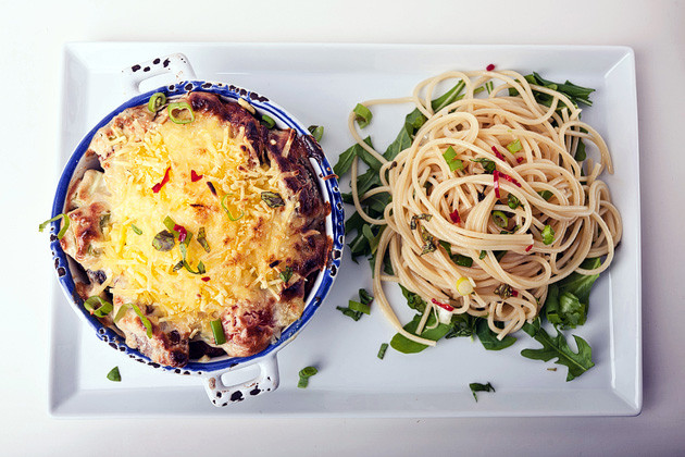 Tempeh-Auflauf & Spaghetti