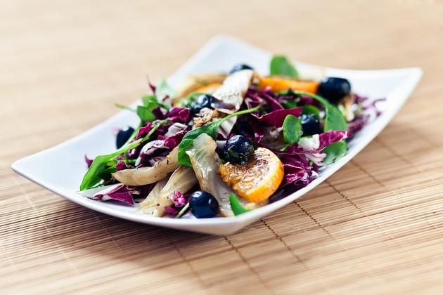 Balsamico Orangen Fenchel mit Oliven & gemischtem Salat