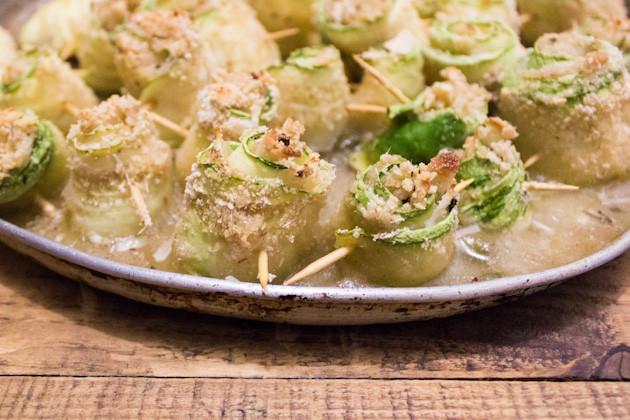 Zucchini- Antipasti in Kapern- Weißweinsauce