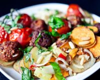 Gebackenes Gemüse, Tofubällchen & Couscous