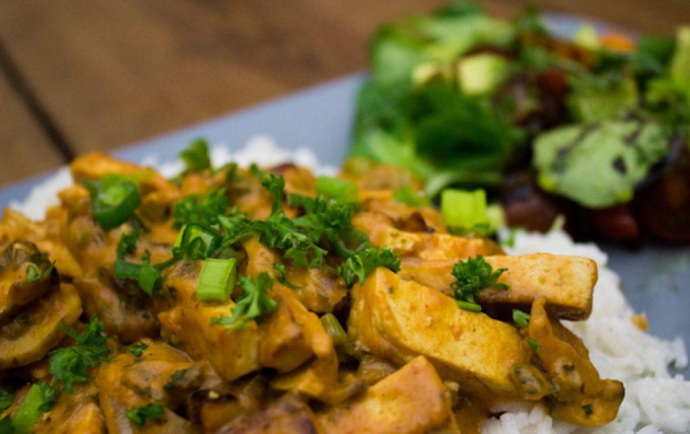 Outdoor Küche Vegetarisch : Tofu stroganoff vegan guerilla