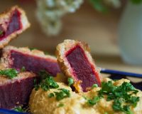 Rote Bete Taler mit Cashew- Cheese
